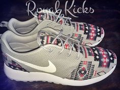 Neuf, authentique sur mesure Nike Roshe courir ! Ces coutumes ont un motif  tribal/