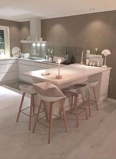 White kitchen painted walls and clear splash back kitchen paint, kitchen . Kitchen Room Design, Kitchen Paint, Home Decor Kitchen, Kitchen Living, Kitchen Interior, New Kitchen, Home Kitchens, Kitchen Ideas, Small Apartment Layout