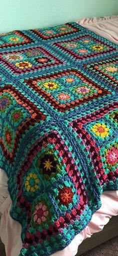 Transcendent Crochet a Solid Granny Square Ideas. Inconceivable Crochet a Solid Granny Square Ideas. Motifs Granny Square, Granny Square Blanket, Granny Square Crochet Pattern, Afghan Crochet Patterns, Granny Square Projects, Crochet Afghans, Joining Granny Squares, Free Crochet, Knit Blanket Squares