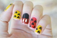 [tutorial] : mickey mouse nail art #nails