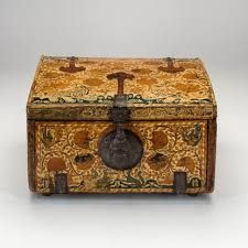 Image result for images of 16 century peruvian lacquered boxes