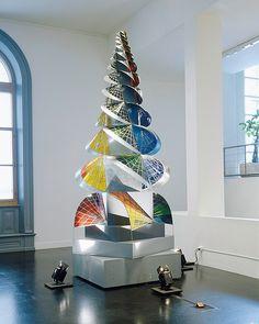 Johannes Itten, Turm des Feuers, 1920 (Kopie 1995) © VG Bild-Kunst, Bonn 2010