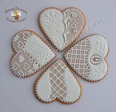 Lace Cookies, Tea Cookies, Valentine Cookies, Royal Icing Cookies, Cookies Et Biscuits, Holiday Cookies, Cupcake Cookies, Sugar Cookies, Biscuit Decoration