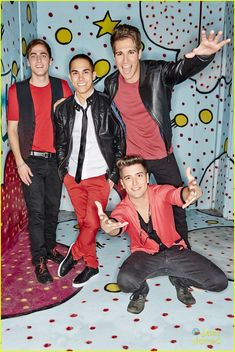Big Time Rush the BEST BAND in the Entire UNIVERSE nobody can top that they are an inspiration they are my Idols nothing can ever change that you can't Take them away from me or I would never listen to music again it would change my life without them BTR 4 ever