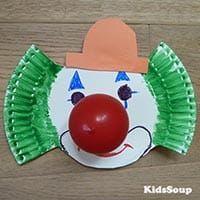 Projekt Karneval und Fasching Kindergarten und Kita-Ideen Carnival and Mardi Gras kindergarten project and daycare ideas Halloween Crafts For Toddlers, Toddler Crafts, Halloween Kids, Preschool Crafts, Diy Crafts For Kids, Arts And Crafts, Paper Crafts, Clown Crafts, Circus Crafts