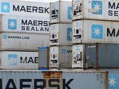 Maersk Line containers via http://www.flickr.com/photos/stevenbrandist