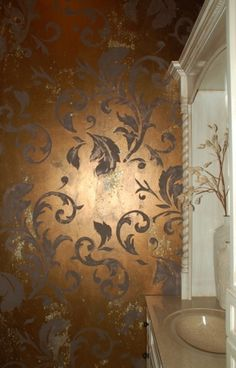 Freeform leaves and swirl pattern stencil. Beautiful Wall, Painted Furniture, Wall Treatments, Stencils Wall, House Painting, Wall Coverings, Faux Walls, Decorative Painting, Faux Painting