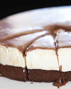 Creamy no gluten cake // Karin Goren Passover Desserts, Cookie Desserts, Gluten Free Desserts, Holiday Desserts, Baking Recipes, Cake Recipes, Dessert Recipes, Flourless Desserts, Flourless Cake