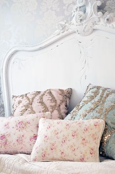 Shabby chic bed pillows, gold and blush pink detail