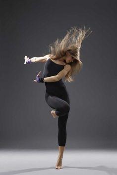 Mixe de gymnastique, de danse et de spectacle d'art. C'est comme ça qu'on peut décrire la danse contemporaine.