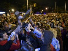 Miles de fieles peregrinaron en el Vía Crucis del Padre Ignacio http://www.yoespiritual.com/eventos-espirituales/miles-de-fieles-peregrinaron-en-el-via-crucis-del-padre-ignacio.html