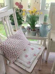 Vintage Room, Shabby Vintage, Style Vintage, Shabi Chic, Muebles Shabby Chic, Shabby Chic Crafts, Cozy Corner, French Country Style, Scandinavian Home