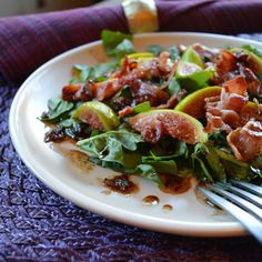 Paleo Girl's Kitchen: Bacon Fig Spinach Salad