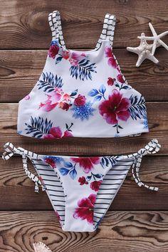 $15.99 Floral Print Halter String Bikini Set - WHITE M