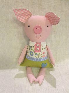 Miss Piggy :o) Pig Crafts, Doll Crafts, Diy Doll, Handmade Stuffed Animals, Fabric Animals, Fabric Toys, Toy Craft, Sewing Toys, Soft Dolls