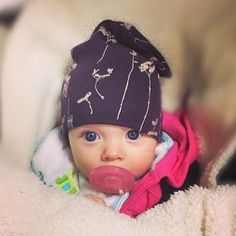 Your slouchy beanie pics are killing me! The cutest!  #bookhouforminimioche #liveinminimioche