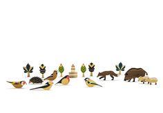 Wunderbares Holzfiguren-Set von Eperfa mit 5 Tieren, 5 Vögel, 6 Bäumen und 1 Aussichtsturm. Alle Teile sind von Hand gefertigt und bemalt.Höhe der Elemente c