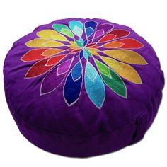 Meditationskissen + Yogakissen YogiStick® Flower lilac ø 33 cm Bezug + Inlett 100% Baumwolle, ca. 33 cm x 17 cm , Füllung: Dinkelspelzen kbA, aufwändige Stickerei