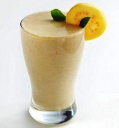 Licuado de guayaba Smoothie Drinks, Smoothie Recipes, Smoothies, Healthy Drinks, Healthy Recipes, My Diet Plan, Healthy Style, Deli, Breakfast Recipes