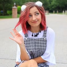 """THREE MORE DAYS UNTIL THE RELEASE OF """"What We're Made Of""""! In today's #BBcountdown vlog you will get to see me COLOR MY HAIR PINK!!!! Yes that's right I finally checked that bucket list item off! Click the link in my bio to watch and see how I did it! Comment below what crazy color you would dye your hair if you could:) #BBWWMO"""