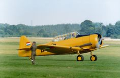 Noorduyn AT.16 Harvard 2b PH-KLU Harvard, 30 Years, Ph, Fighter Jets, Aviation, The Past, Aircraft, Air Ride, Airplanes
