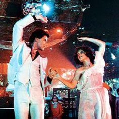 John Travolta in white suit Saturday Night Fever Disco Party, 70s Party, Saturday Night Fever, Grace Art, Music Express, Music Hits, John Travolta, Just Dance, Movies