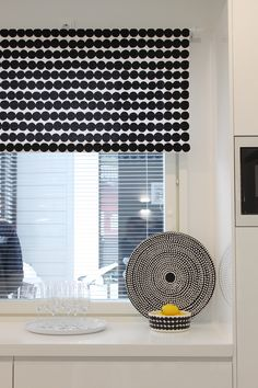 Black and white Marimekko fabric for blinds Scandinavian Style Home, Nordic Home, Scandinavian Design, White Home Decor, Black Decor, Window Wall Decor, Living Styles, Home Goods, Sweet Home