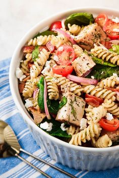 35 Pasta Salads That Will Crush At Your Next Cookout - Pasta salad - Tortellini Mayo Pasta Salad Recipes, Easy Pasta Salad Recipe, Vegetarian Salad Recipes, Healthy Recipes, Healthy Salad Recipes, Simple Recipes, Tortellini, Orzo, Penne