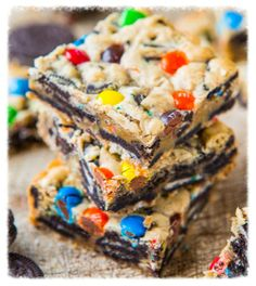 cookiescrumbsandchickens: M&M And Oreo Cookie Bars