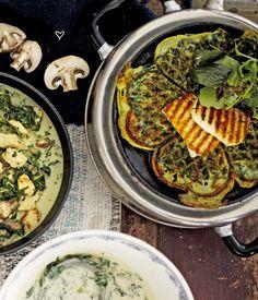 Vihreät vohvelit ja grillattu halloumi Halloumi, Paella, Margarita, Hummus, Chili, Veggies, Ethnic Recipes, Kitchen, Food