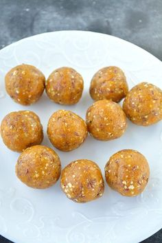 apricot-energy-balls-6