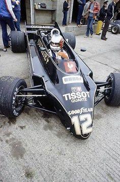 July Nigel Mansell (Lotus Cosworth), did not qualify, in the pits. World Copyright: LAT Photographic Ref: transparency Lotus F1, F1 Racing, Drag Racing, Brazilian Grand Prix, Nigel Mansell, British Grand Prix, Formula 1 Car, Motosport, Vintage Racing