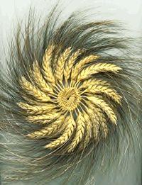 celtic wheat weaving   Dale Scott's Straw Crafts, Fun Crafts, Diy And Crafts, Arts And Crafts, Straw Weaving, Basket Weaving, Bonnet Rose, Corn Husk Wreath, Straw Decorations