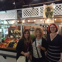 #goodmorningsunshine! Our own @Linse @aliciaceci and Heather enjoying a #farmersmarket in the #earlyAM before heading off to the #furniture show in #Lancaster #pa! Stay tuned for more updates from the #allamerican #furnitureexpo!  #dutchcrafters #solidwoodfurniture #amishfurniture #americanmade
