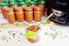 Retete Culinare - Zacusca, reteta clasica la slow cooker Crock-Pot