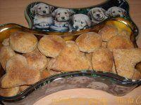 Exkluzivní domácí sušenky pro pejsky Homemade Dog Treats, Dog Cat, Cheese, Baking, Pets, Breakfast, Desserts, Food, Morning Coffee