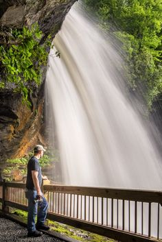 Walk Behind A Waterfall For A One-Of-A-Kind Experience In North Carolina- read there are 10 water falls that are listed & no walking distance! South Carolina, Bryson City North Carolina, North Carolina Hiking, North Carolina Waterfalls, Bryson City Nc, North Carolina Vacations, Asheville North Carolina, North Carolina Mountains, North Carolina Homes