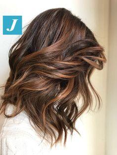quick and easy diy hairstyles Brown Hair Balayage, Brown Blonde Hair, Brunette Hair, Hair Highlights, Front Hair Styles, Curly Hair Styles, Hair Front, Pelo Color Caramelo, Brown Hair Shades