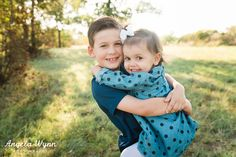 DFW photographer, Fort Worth Photographer Angela Wynn Photography, photography, natural light, family portraits, child photography, pose ideas, siblings, cute, baby, sibling, field, nature, photo shoot outfit ideas, couple, mom and dad, family portrait pose ideas