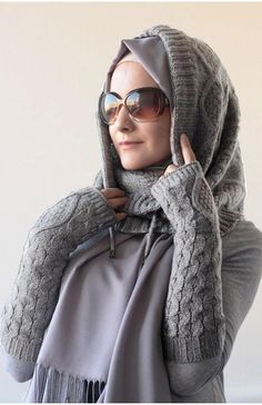 Gray Monochromatic Winter look. Sweater Material & Layering