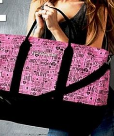 Victoria's Secret Limited Edition 2014 XL Weekender Duffle Bag Purse Tote - Pink Logo Victoria's Secret,http://www.amazon.com/dp/B00IPSCKBG/ref=cm_sw_r_pi_dp_gt8Btb1YEA09Z2VX