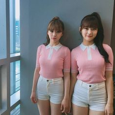 Oh My Girl JinE & Arin
