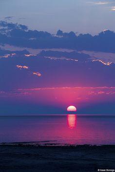 """lovenaturewildlife: """" Beauty of Nature & Wildlife radivs: 'Salt Lake Sunset' by Isaac Borrego """" Sunset Wallpaper, Nature Wallpaper, Purple Wallpaper, Amazing Sunsets, Amazing Nature, Nature Pictures, Beautiful Pictures, Beautiful Sunrise, Belle Photo"""