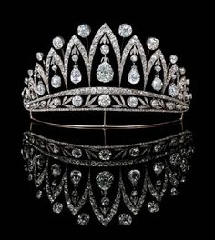Close up of the famous tiara by Fabergé