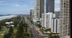 Located about 5 minutes south of Surfers Paradise is the cosmopolitan city of Broadbeach. Known for its cafes, restaurants and dining options, Broadbeach is the ideal place for your Gold Coast family holiday. Situated in Broadbeach is Jupiters Hotel and Casino and the Broadbeach Craft Markets.