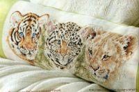 """Gallery.ru / TATO4KA6 - Альбом """"45"""" Throw Pillows, Crafts, Punto De Cruz, Dots, Animales, Hipster Stuff, Cushions, Decor Pillows, Arts And Crafts"""