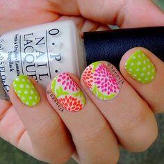 Neon Flower and Polka Dot Nails - Cult Cosmetics Magazine Great Nails, Cute Nail Art, Fabulous Nails, Beautiful Nail Art, Love Nails, My Nails, Nail Deco, Polka Dot Nails, Polka Dots