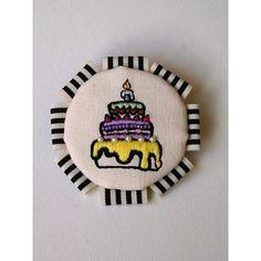 【手刺繍アクセサリーnoa】cakeブローチ yellow