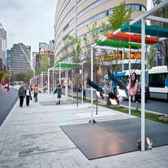 Bus stops in Montreal! Musical Light Swings on the Streets of Montreal swings Montréal instruments Installation Interactive, Installation Art, Interactive Art, Art Installations, Urban Furniture, Street Furniture, Outdoor Furniture, Urban Intervention, La Rive