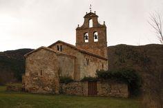 San Vicente del Valle, Burgos, España. Edificio muy atípico, posiblemente de origen tardoromano, modificado en el siglo VII y convertido en iglesia durante la repoblación, entorno al año 900.